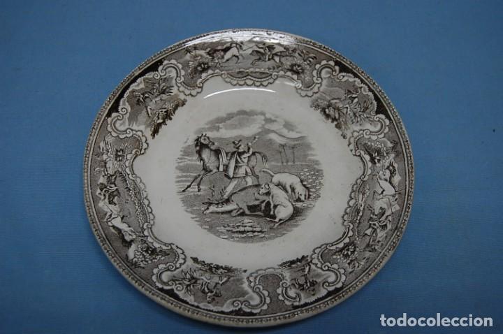 PLATO EN PORCELANA CARTAGENA (Antigüedades - Porcelanas y Cerámicas - Cartagena)
