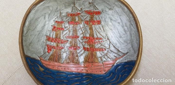 Antigüedades: CENICERO DE BRONCE CON FORMA DE MANZANA ESMALTADO - Foto 3 - 201306467
