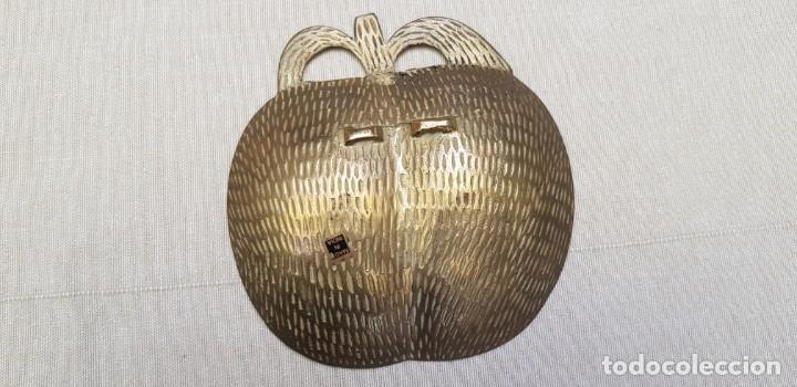 Antigüedades: CENICERO DE BRONCE CON FORMA DE MANZANA ESMALTADO - Foto 5 - 201306467