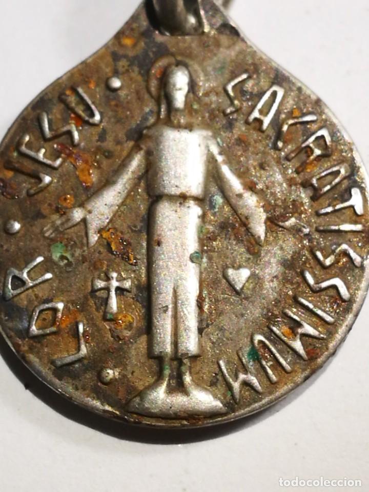Antigüedades: Medalla Antigua de Plata Lor Jesu Sacratissimun detrás Virgen María con el Niño Jesús con cadena pla - Foto 5 - 201314072
