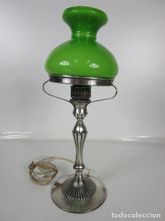 Antigüedades: Preciosa Lámpara Sobremesa, Quinque - Pie en Plata de Ley, con Contrastes -Tulipa Cristal en Opalina - Foto 10 - 201319442