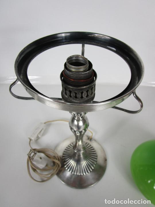 Antigüedades: Preciosa Lámpara Sobremesa, Quinque - Pie en Plata de Ley, con Contrastes -Tulipa Cristal en Opalina - Foto 13 - 201319442