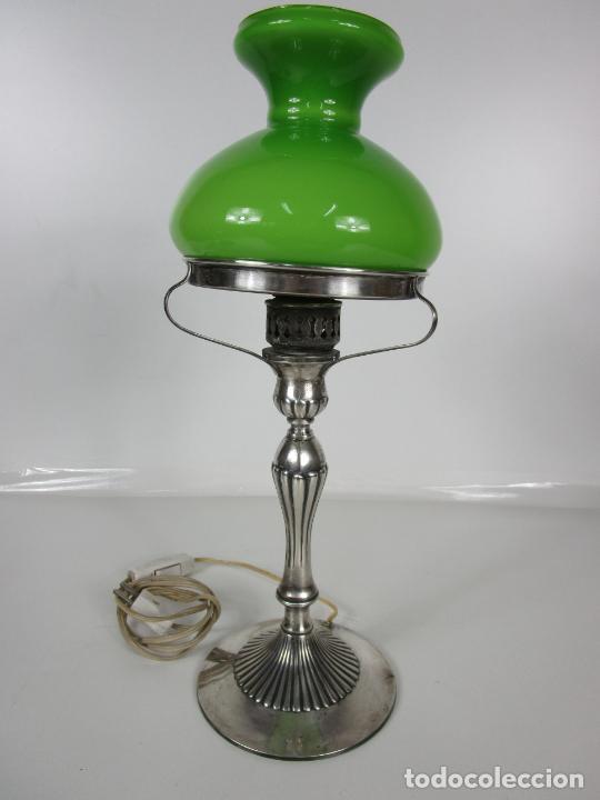 Antigüedades: Preciosa Lámpara Sobremesa, Quinque - Pie en Plata de Ley, con Contrastes -Tulipa Cristal en Opalina - Foto 15 - 201319442