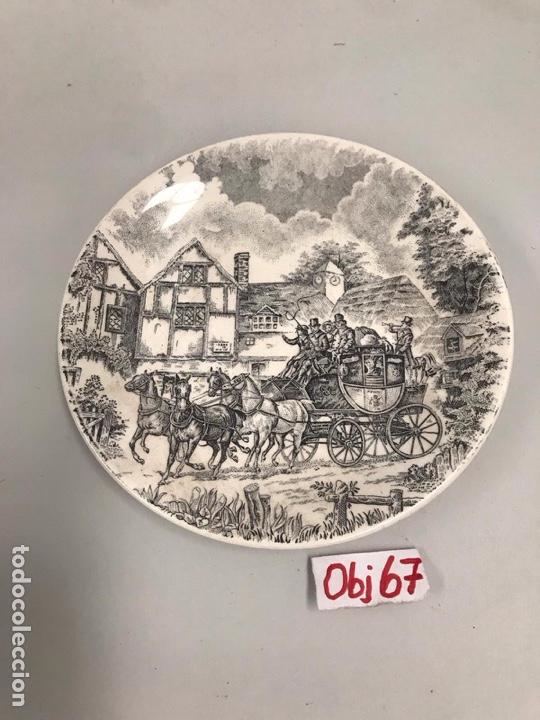PLATO DECORATIVO SAN CLAUDIO (Antigüedades - Porcelanas y Cerámicas - San Claudio)