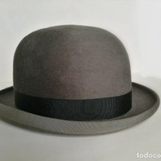 Antigüedades: ANTIGUO BOMBIN GRIS 22'' WILLOUGHBY HATTER PARIS // SOMBRERO VINTAGE HIPSTER RETRO CASHMERE MELONE. Lote 201499632