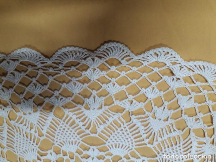 Antigüedades: Tapete de ganchillo para mesa camilla - Foto 2 - 201551332