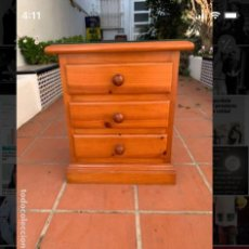 Antigüedades: MESITA DE NOCHE DE MADERA TIPO PROVENZAL.. Lote 201566756