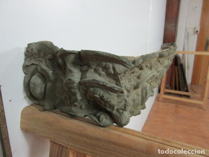 Antigüedades: Antigua Galería para Cortinas - Decorativas Formas en Latón - Madera - Principios S. XIX - Foto 10 - 201639446