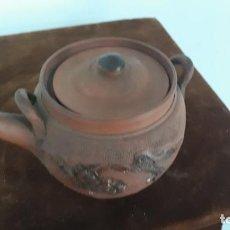 Antigüedades: ANTIGUA TETERA CHINA EN TERRACOTA ,MUY FINA. Lote 201651638