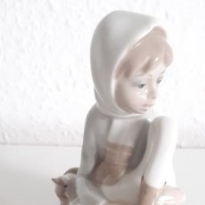 Antigüedades: PIEZA FIGURA PORCELANA CASADES MADE IN SPAIN. Lote 201669408