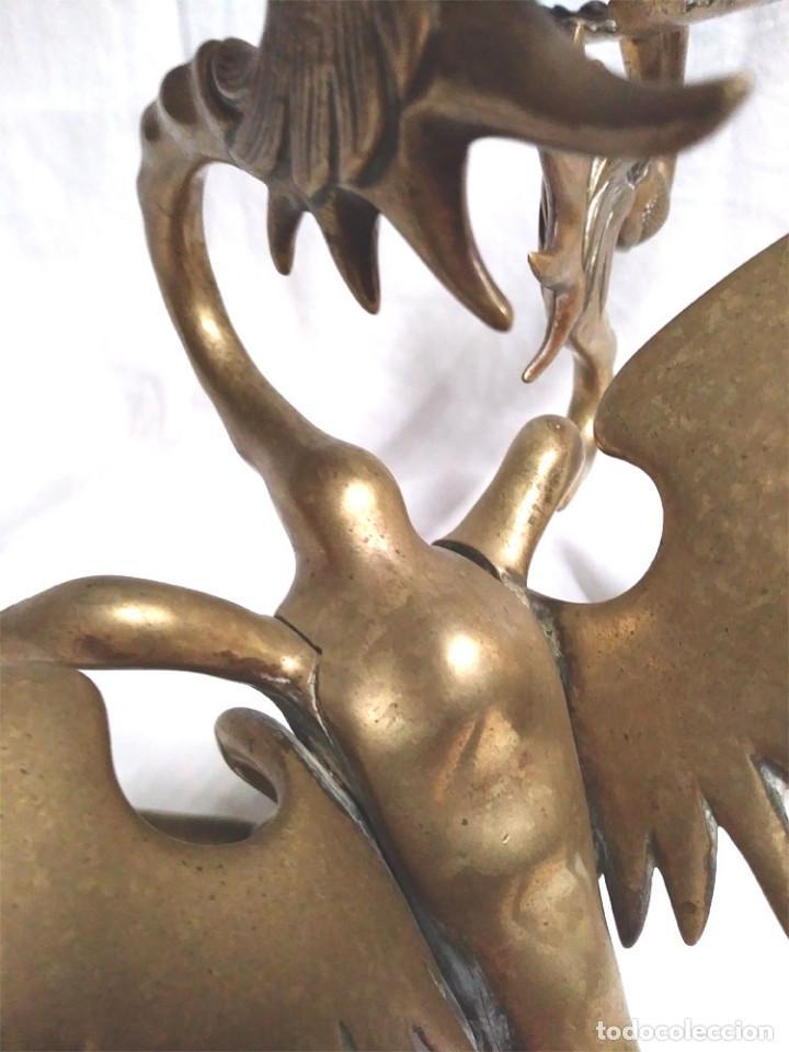 Antigüedades: Pareja Candelabros forja bronce época Modernista S XIX, Dragon Tricefalo, únicos de Colección - Foto 9 - 201946866