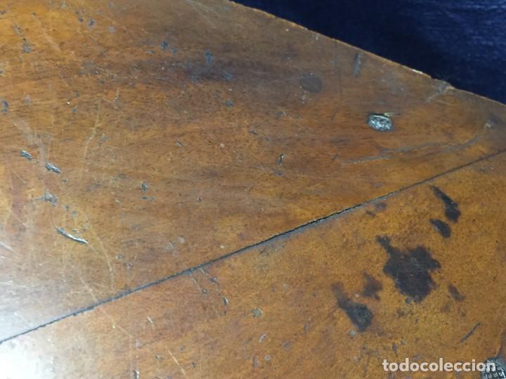 Antigüedades: MENSULA RINCONERA EPOCA FERNADO VII MADERA CHAPEADO GRUESO CAOBA 8X43X30CMS - Foto 16 - 201980930
