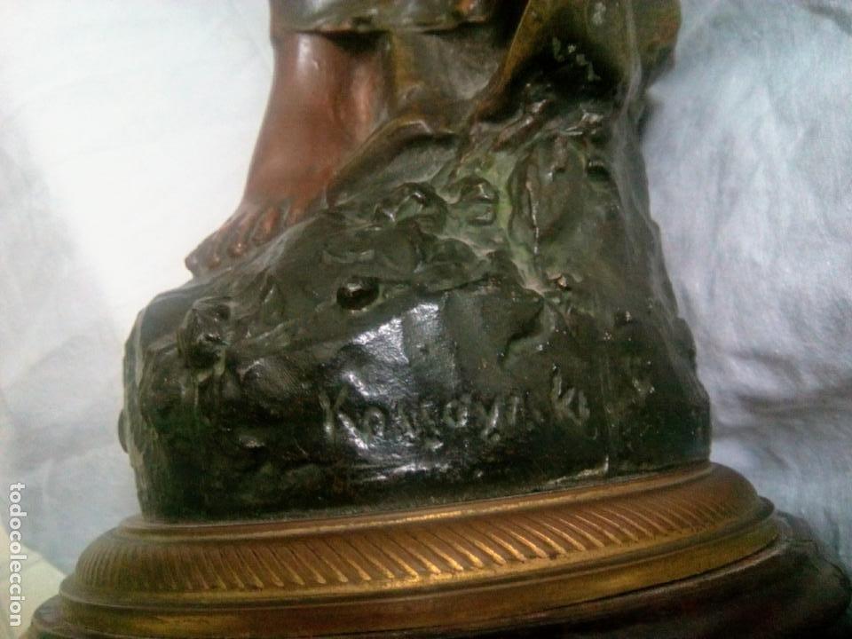 Antigüedades: Antigua Escultura en calamina y cristal . La declamación de Kossowsky.Siglo XlX. 85 cm de alto. - Foto 37 - 202040991