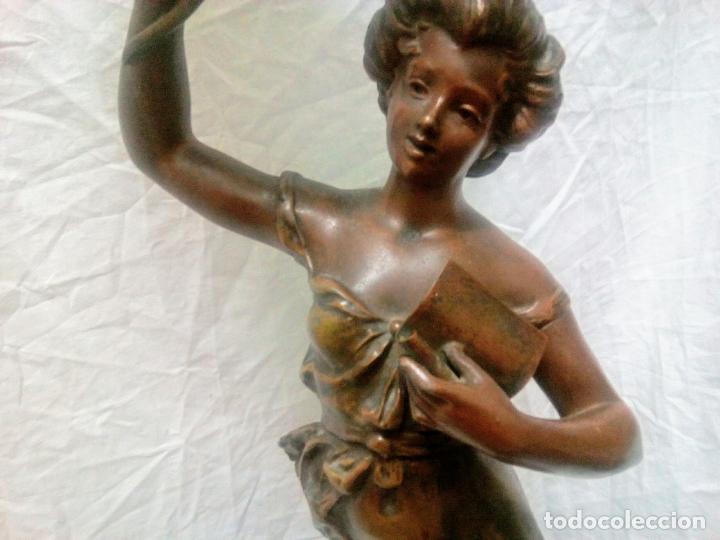 Antigüedades: Antigua Escultura en calamina y cristal . La declamación de Kossowsky.Siglo XlX. 85 cm de alto. - Foto 38 - 202040991
