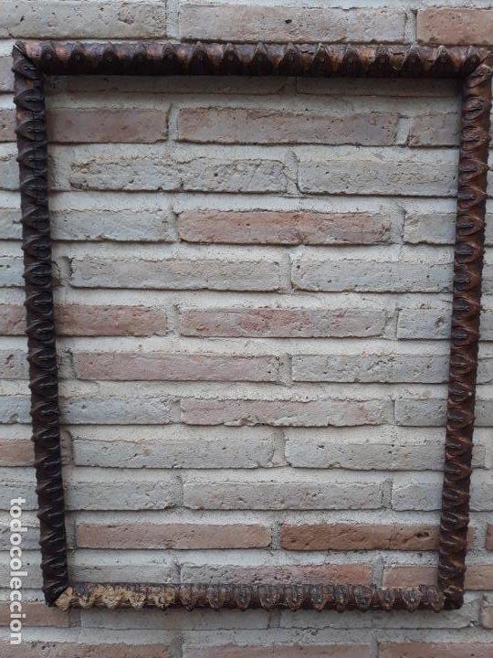Antigüedades: 1 ) MARCO ANTIGUO EN MADERA CON ESTUCO DORADO. - Foto 2 - 202317385