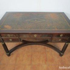 Antiquités: MESA DE DESPACHO - ESTILO IMPERIO, FRANCIA - BRONCE - SOBRE EN PIEL - ALARGADERAS LATERALES. Lote 202340096