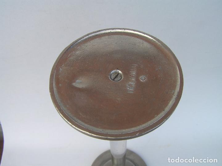 Antigüedades: Sombrerero de sobremesa. Cristal y metal . Finales siglo XIX. 34 cm. - Foto 7 - 202346245