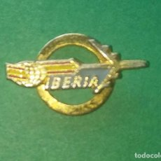 Antigüedades: ANTIGUO PIN DE OJAL DE LA COMPAÑIA AEREA IBERIA. Lote 202357493