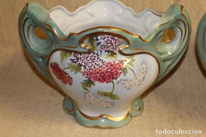 Antigüedades: Dos jarros floreros de cerámica policromada.Fdo Siamand Hamge.Art Nouveau.Pps S XX. - Foto 7 - 202358533