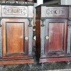 Antigüedades: 2 MESITAS DE NOCHE EN MADERA DE PALO SANTO. Lote 202402732