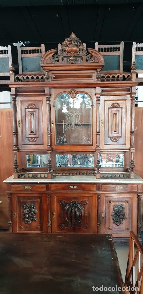Antigüedades: Gran aparador alfonsino en madera de nogal - Foto 2 - 202404531