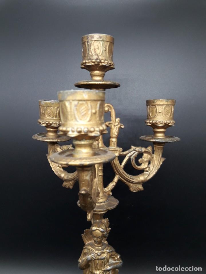 Antigüedades: Pareja de candelabros de calamina - Foto 4 - 202445996