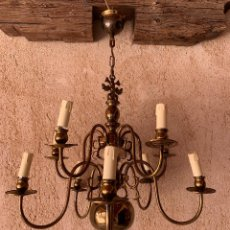 Antigüedades: LAMPARA HOLANDESA ELECTRIFICADA , 10 LUCES , DOS PISOS . BIEN CONSERVADA . BRONCE .. Lote 202447133
