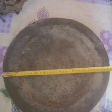 Antigüedades: GRAN PLATO DE ESTAÑO SIGLO XIX 34CM DE DIAMETRO. Lote 202484690