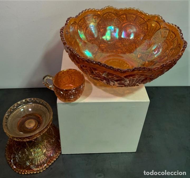 Antigüedades: CARNIVAL GLASS. PONCHERA CON TAZAS. - Foto 5 - 202492307