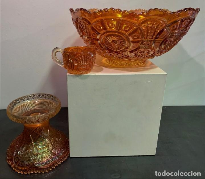 Antigüedades: CARNIVAL GLASS. PONCHERA CON TAZAS. - Foto 6 - 202492307