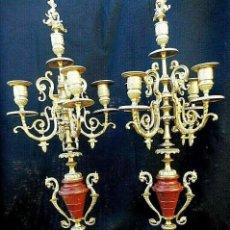 Antigüedades: MARAVILLOSOS CANDELABROS NAPOLEÓN III CIRCA 1860 BRONCE Y MARMOL ROJO PALACIEGOS 63 CM. FLOR DE LIS. Lote 202614845