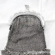Antigüedades: MONEDERO DE MALLA EN ALPACA CON FORRO INTERIOR, VOLANTES, PERFECTO. Lote 122523167
