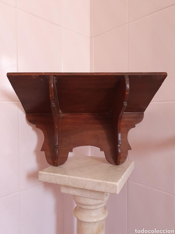PRECIOSA REPISA REALIZADA EN MADERA (Antigüedades - Muebles Antiguos - Repisas Antiguas)
