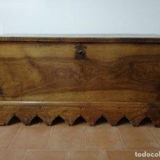 Antigüedades: ARCA ANTIGUA DE NOGAL. Lote 202668916