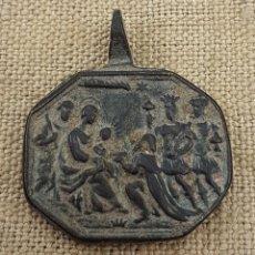 Antigüedades: MAGNÍFICA MEDALLA SIGLO XVII REYES MAGOS ADORANDO AL NIÑO Y LEYENDA CON NOMBRES EN LATÍN. Lote 202724921