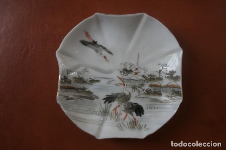 Antigüedades: 6 PLATOS PORCELANA JAPONESA PINTADOS A MANO – VEASE SELLO FIRMA EN LA BASE - Foto 12 - 202768555
