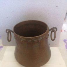 Antigüedades: JARRÓN DE COBRE MUY ANTIGUO ECHO A MANO MEDIDAS EN LAS FOTOS.. Lote 202780690