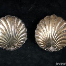 Antigüedades: PAREJA DE CONCHAS DE PLATA.. Lote 202802600