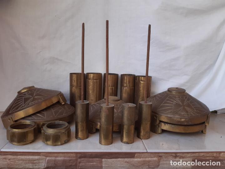 CONJUNTO DE PIEZAS EN LATÓN PARA FORMAR HACHONES O VELONES DE ALTAR. (Antigüedades - Religiosas - Artículos Religiosos para Liturgias Antiguas)