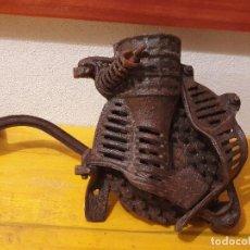 Antigüedades: DESGRANADORA DE MAIZ. Lote 202829831