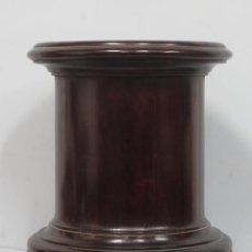 Antigüedades: GRAN PEDESTAL O PEANA DE CAOBA. SIGLO XIX. Lote 202840058