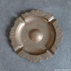 Antigüedades: CENICERO DE LATON LABRADO. Lote 36811913