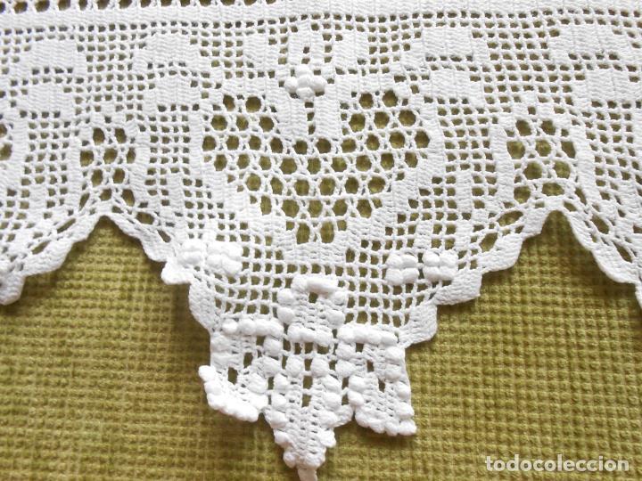 Antigüedades: Magnifico cortina antiqua.Ganchillo a mano. Blanco 50 x 125 cm.Nuevo - Foto 4 - 203049933