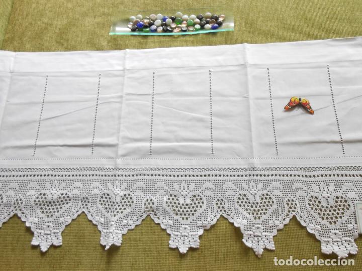 Antigüedades: Magnifico cortina antiqua.Ganchillo a mano. Blanco 50 x 125 cm.Nuevo - Foto 12 - 203049933