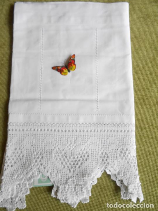 Antigüedades: Magnifico cortina antiqua.Ganchillo a mano. Blanco 50 x 125 cm.Nuevo - Foto 15 - 203049933