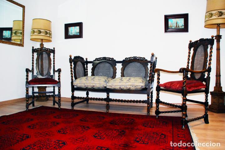 Antigüedades: Extraordinario conjunto de sillón con dos butacas a juego en madera de roble y rejilla de rattán. - Foto 3 - 203097511