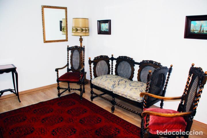 Antigüedades: Extraordinario conjunto de sillón con dos butacas a juego en madera de roble y rejilla de rattán. - Foto 4 - 203097511