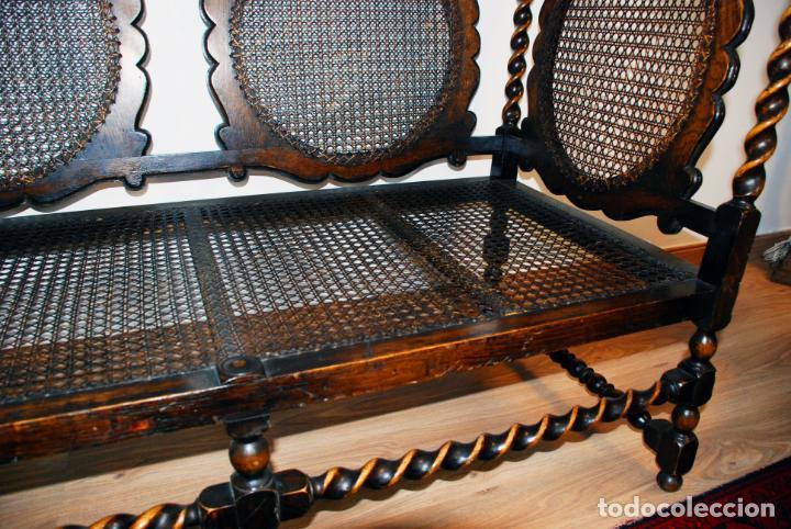 Antigüedades: Extraordinario conjunto de sillón con dos butacas a juego en madera de roble y rejilla de rattán. - Foto 12 - 203097511