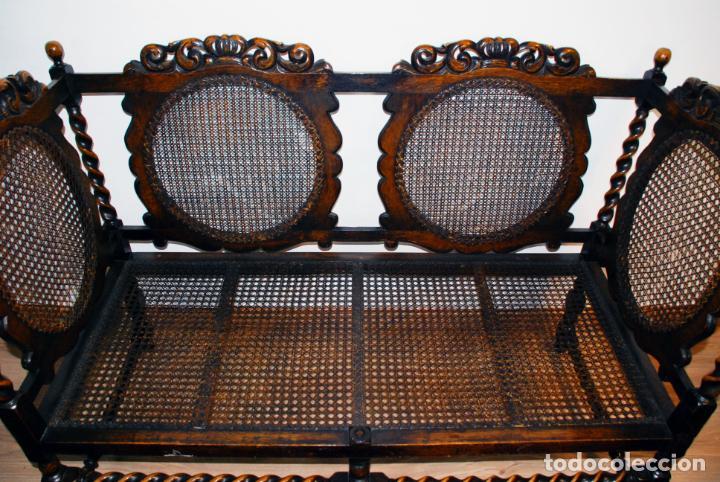 Antigüedades: Extraordinario conjunto de sillón con dos butacas a juego en madera de roble y rejilla de rattán. - Foto 13 - 203097511