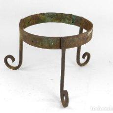 Antigüedades: ANTIGUO MACETERO DE HIERRO. Lote 203115662